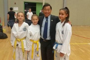 """Трио дупнишки момичета с 5 медала на турнира """"Багатур"""""""
