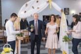 38 двойки от Разлог, празнуващи златни и сребърни сватби, подновиха брачните си клетви
