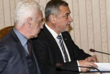 Извънредни совалки на коалиционния съвет, Каракачанов напусна преди минути