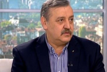 Проф. Тодор Кантарджиев: Свинският грип засяга белия дроб, ето първите симптоми