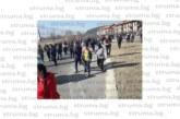300 души блокираха пътя край Разлог заради скока на водата