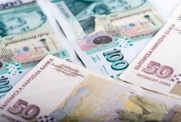 Вдигат заплатите на кметове и областни управители