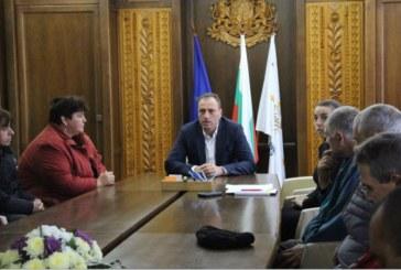 Двадесет безработни лица с увреждания бяха назначени в Банско