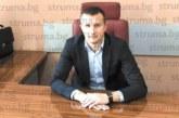 Адвокатът на Маргините със съдружници садят шипка в Белица въпреки опитите на кмета от 2 г. да скъса договора им