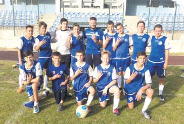 Футболните таланти от Разлог отсрамиха мъжете срещу съседите от Банско