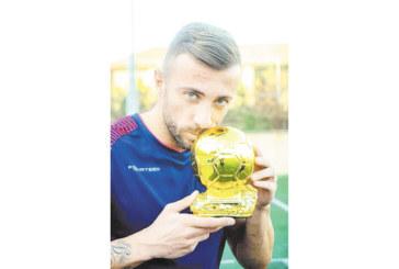 Голаджията на орлетата М. Тошев футболист №1 на месеца в Ливан, местните фенове луднаха по головете му