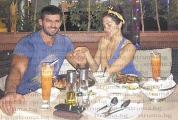 Санданската фолкдива Райна на романтична почивка с любимия си в Дубай