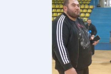 180-килограмов шампион по канадска борба от Банско тества нова каишка на турнира в Благоевград, местен юноша отнесе 40 кг пиене и 6 медала