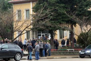 Стотици се сбогуваха с шефа на КАТ-Казанлък