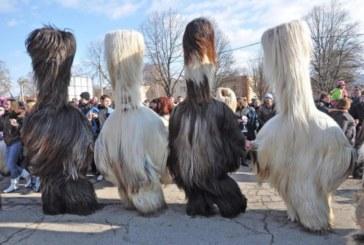 С ПОДПИСКА ДО КМЕТСТВОТО! 8 от 10 кукерски групи искат ХІ фестивал на сурвакарските игри в Благоевград да се измести на 13 януари