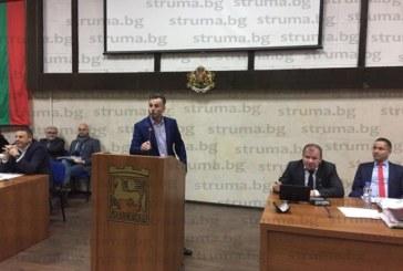 Горещи страсти на сесията в Благоевград! Отстраниха Андон Тодоров от заседателната зала