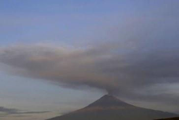 Зрелищни изригвания на мексиканския вулкан Попокатепетъл