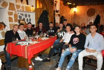 Футболистите на Симитли с парти за края на сезона