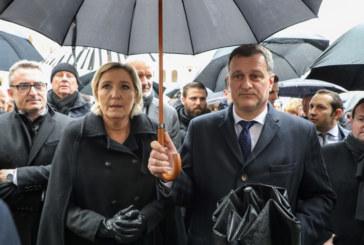 Допитване във Франция сочи: Марин Льо Пен изпреварва Макрон