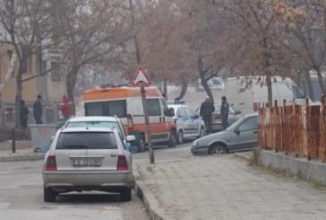 """Полиция пред блок 105 в кв. """"Еленово""""! Откриха мъртва 37-г. жена"""