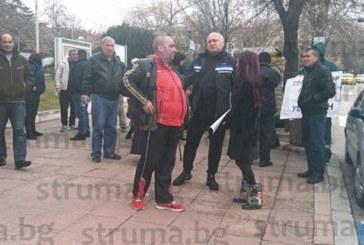 След протести в Сандански! Медицински съвет решава днес съдбата на уволнения хирург д-р Г. Алексиев