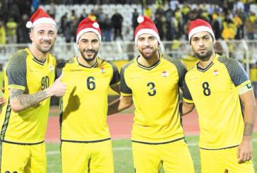 С шапка на джудже нападателят от Крупник М. Тошев помогна с гол и коледен дух на отбора си в Ливан