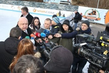 "Министър Кралев за думите на Гришо: Стана ""загубени в превода"", започна на български, после се обясни на английски"