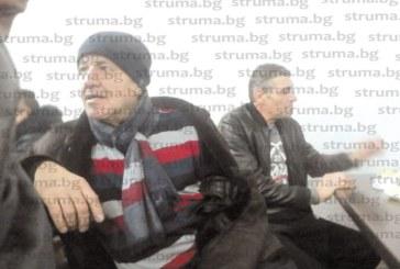 Коледа закъсня с 2 дни в благоевградската ромска махала заради заболяване на главния спонсор Хр. Ковачки
