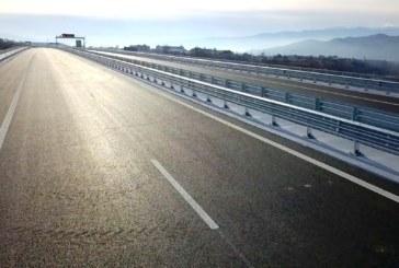 """Утре откриват още 24 км от АМ """"Струма"""" между Кресна и Сандански"""