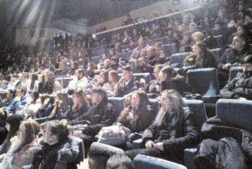 Учениците и учителите от НХГ изпратиха годината с впечатляващ коледен концерт