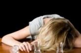 Жена изпи на екс цяла бутилка коняк, за да не я даде на охраната на летището