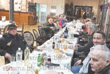 Общинският съветник Калоян Ханджийски събра на коледно парти съратници от ДСБ