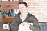 БОЙКА АСИОВА, писателка, Разлог: Божик с ухаещата капама и татковия колет с жива елха
