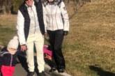 Илиана и Наско посрещат празниците с внучката си в Разлог