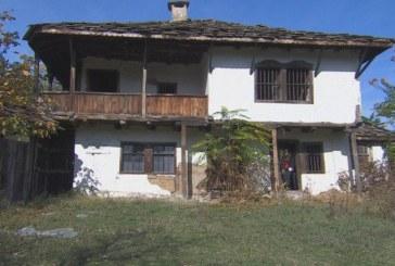 Архитекти: догодина къщата на Левски може да я няма