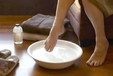 Напълнете един леген със студена вода и потопете краката си за 15 секунди. Ефектът ще ви изненада