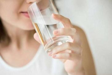Пиенето на топла вода на празен стомах води до невероятни резултати