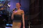 Благоевградчанката Лилия, певица на Слави проплака: Гърдите ми пречат, баща ми забрани да ги показвам!