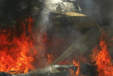Български тир изгоря на барикада на мигранти до Кале