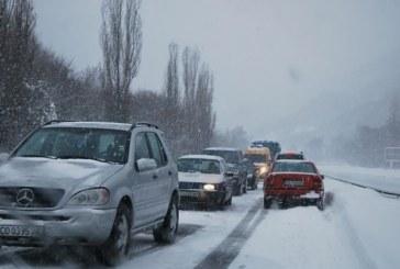 Аларма за шофьорите! Спряха камионите по пътя Гоце Делчев – Катунци