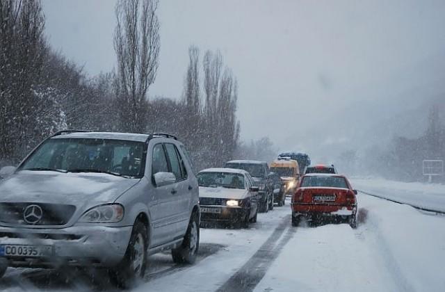 Аларма за шофьорите! Спряха камионите по пътя Гоце Делчев - Катунци