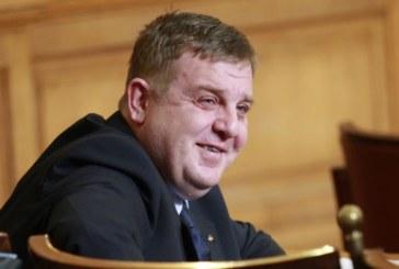Министър Каракачанов стана дядо!