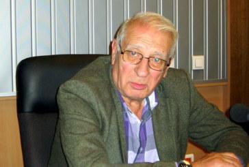 Славчо Пеев взимал пари и като режисьор плюс заплата на директор на театъра в Дупница! Актьорът: Цените стигат до 30 бона