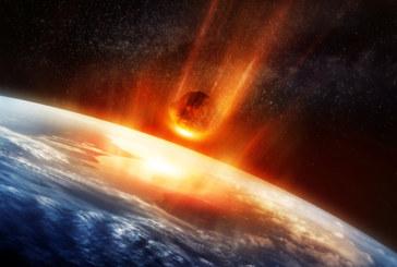 Метеорит ударил Луната при лунното затъмнение