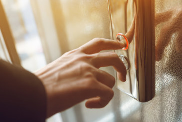 Жена прекара три дни в асансьор