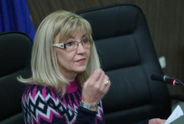 """Аврамова: Няма сключени договори с подизпълнители за 134 км от АМ """"Хемус"""""""