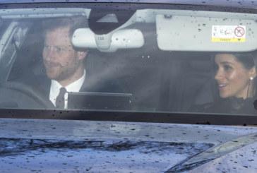 Забраниха на Меган Маркъл да затваря вратата на колата, от която слиза