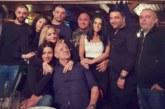 Санданският наркобос Маниката празнува пищно 60-г. юбилей, пя гръцки хитове за гостите си…