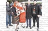 Кметът на Банско поведе сурвакарите, семейството на Кр. Герчев се включи в Старчевата с традиционни разложки одежди