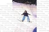 Петричка адвокатка се радва като дете на дебелия сняг в Подгорието