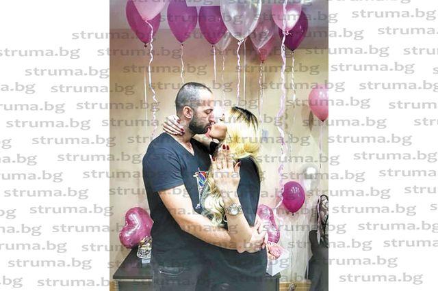 Адвокатска дъщеря от Сандански получи годежен пръстен на рождения си ден