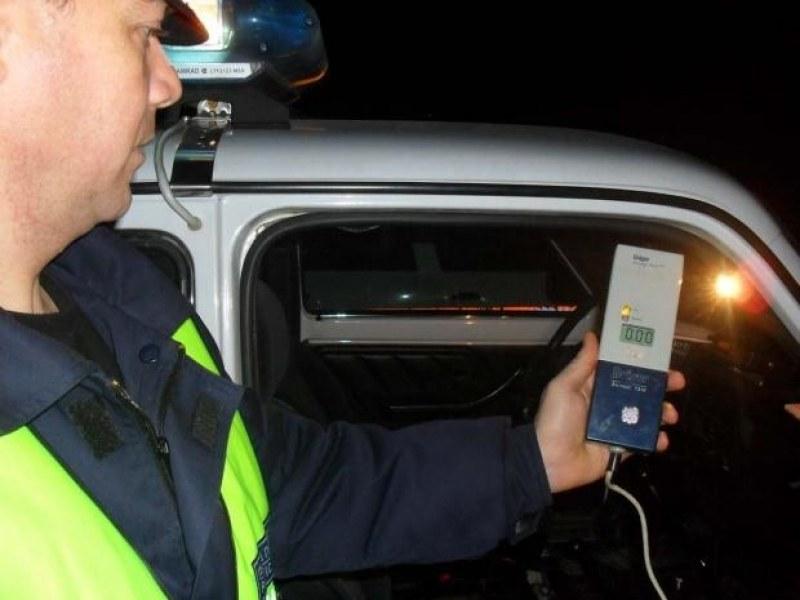 Ченгетата спипаха почерпен шофьор в Банско, дрегерът отчете...