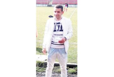 """Треньорът на """"Германея"""" изхвърли четирима, премести отбора от Сапарева баня в София"""