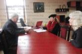 За 281 лв. съпругата на общинския съветник Кр. Роячки – Ивана, нае за 5 г. барчето до централния вход на театъра