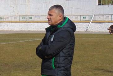 """На 43 г. треньорът на """"Вихрен"""" се цани за футболист в селската група"""